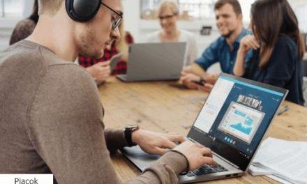 A fiatalok egy laptopba sűrítenék a munkát és a magánéletet