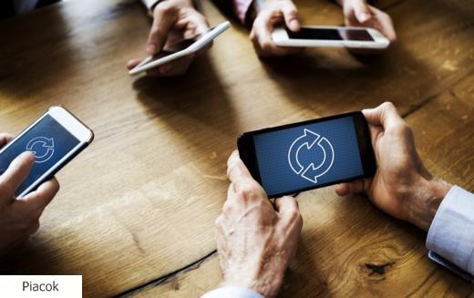 Egyre népszerűbb a mobilnet, egyre kevesebb a feltöltőkártyás ügyfél