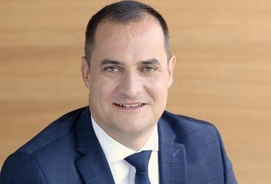 Meghosszabbították Rékasi Tibor Telekom vezér szerződését