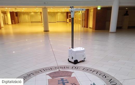 Hazai fejlesztésű öntanuló fertőtlenítő robot járművekhez is