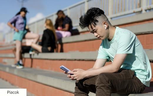 Peking limitálja a kiskorúak online játékidejét és lecsap a rajongói klubokra is